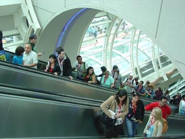 7095 Comic Con Escalators