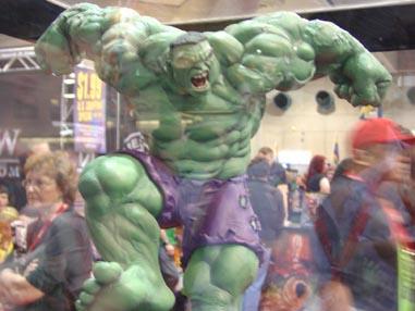7109 Comic Con Hulk Stomping