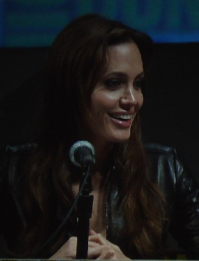7153 Comic Con Angelina's Smile
