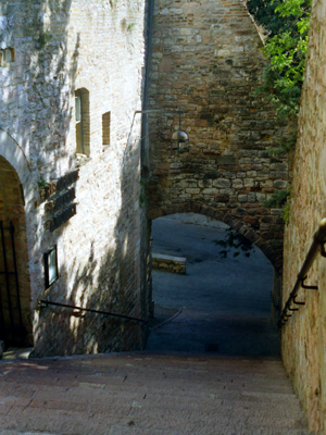 Assisi Steps Downward