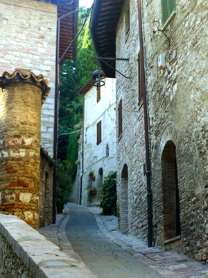 Assisi Narrow Road Uphill