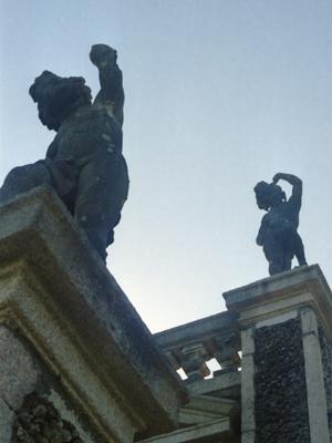 Isola Bella Statue Angles